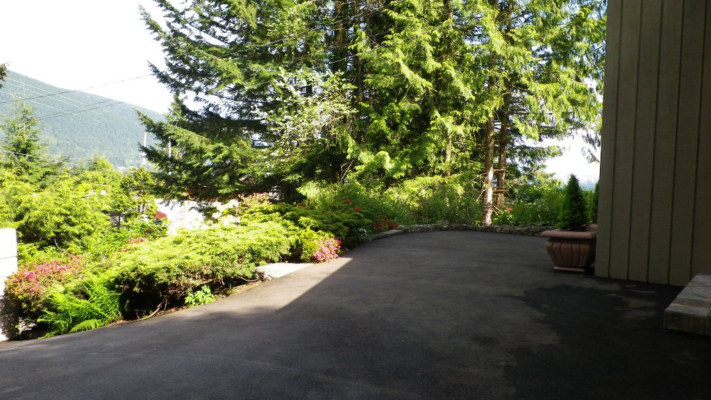 Photo 18: Photos: 51 BONNYMUIR PL - WEST VANCOUVER in West Vancouver: Glenmore House for sale : MLS®# V831606