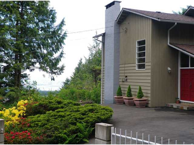 Photo 31: Photos: 51 BONNYMUIR PL - WEST VANCOUVER in West Vancouver: Glenmore House for sale : MLS®# V831606