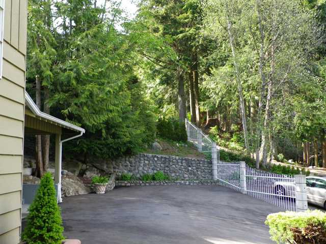 Photo 30: Photos: 51 BONNYMUIR PL - WEST VANCOUVER in West Vancouver: Glenmore House for sale : MLS®# V831606