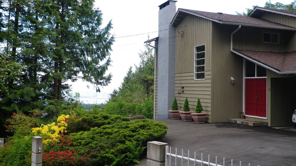 Photo 5: Photos: 51 BONNYMUIR PL - WEST VANCOUVER in West Vancouver: Glenmore House for sale : MLS®# V831606
