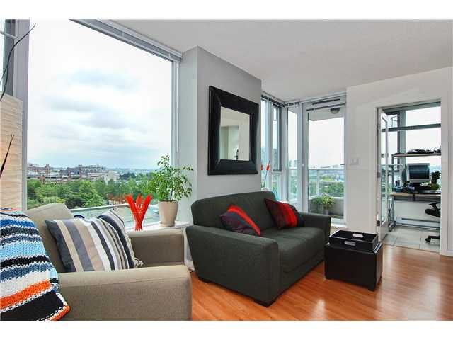 """Main Photo: 809 550 TAYLOR Street in Vancouver: Downtown VW Condo for sale in """"THE TAYLOR"""" (Vancouver West)  : MLS®# V838686"""