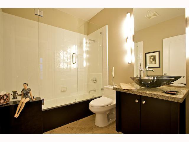 Photo 11: Photos: DOWNTOWN Condo for sale : 2 bedrooms : 2284 Sixth Avenue in San Diego