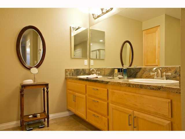 Photo 9: Photos: DOWNTOWN Condo for sale : 2 bedrooms : 2284 Sixth Avenue in San Diego