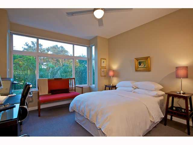 Photo 10: Photos: DOWNTOWN Condo for sale : 2 bedrooms : 2284 Sixth Avenue in San Diego