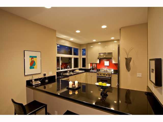 Photo 7: Photos: DOWNTOWN Condo for sale : 2 bedrooms : 2284 Sixth Avenue in San Diego