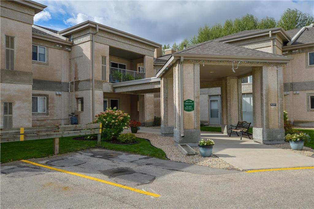 Main Photo: 208 500 Cathcart Street in Winnipeg: Charleswood Condominium for sale (1G)  : MLS®# 1927634