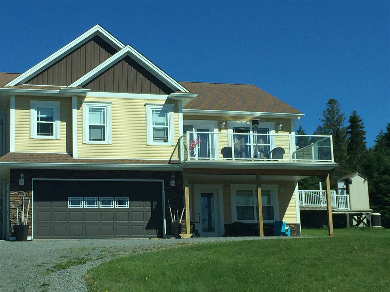 Main Photo: 558 East Uniacke Road in East Uniacke: 105-East Hants/Colchester West Residential for sale (Halifax-Dartmouth)  : MLS®# 202002956