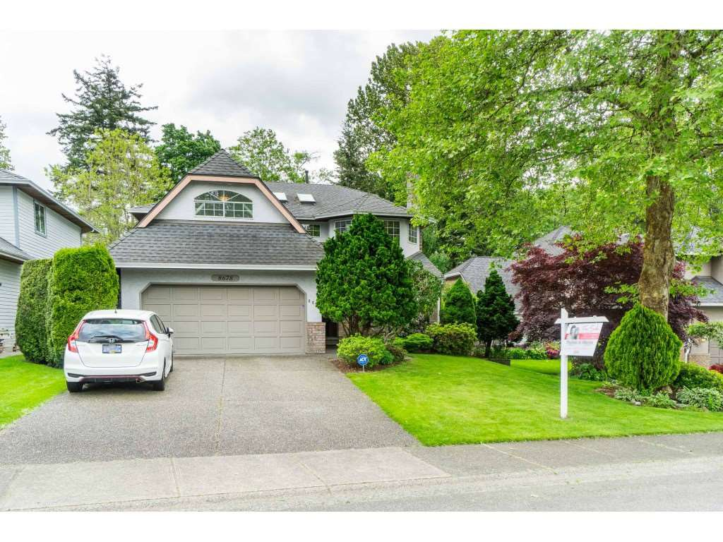 """Main Photo: 8678 141 Street in Surrey: Bear Creek Green Timbers House for sale in """"BROOKSIDE ESTATES"""" : MLS®# R2456645"""