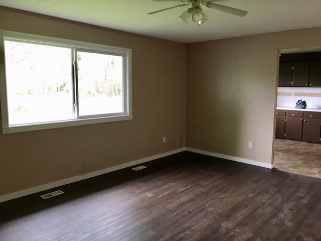 """Photo 9: Photos: 501 - 503 WILLOW Street in Quesnel: Red Bluff/Dragon Lake Duplex for sale in """"RED BLUFF"""" (Quesnel (Zone 28))  : MLS®# R2459362"""