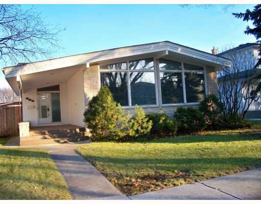 Main Photo: 959 QUEENSTON Bay in WINNIPEG: River Heights / Tuxedo / Linden Woods Residential for sale (South Winnipeg)  : MLS®# 2920954
