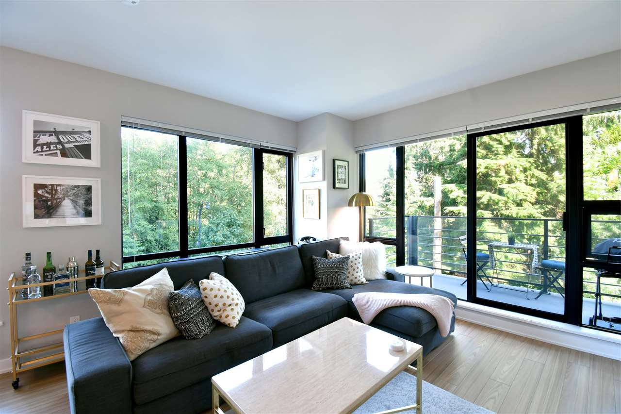 "Photo 3: Photos: 305 301 CAPILANO Road in Port Moody: Port Moody Centre Condo for sale in ""The Residences"" : MLS®# R2402732"