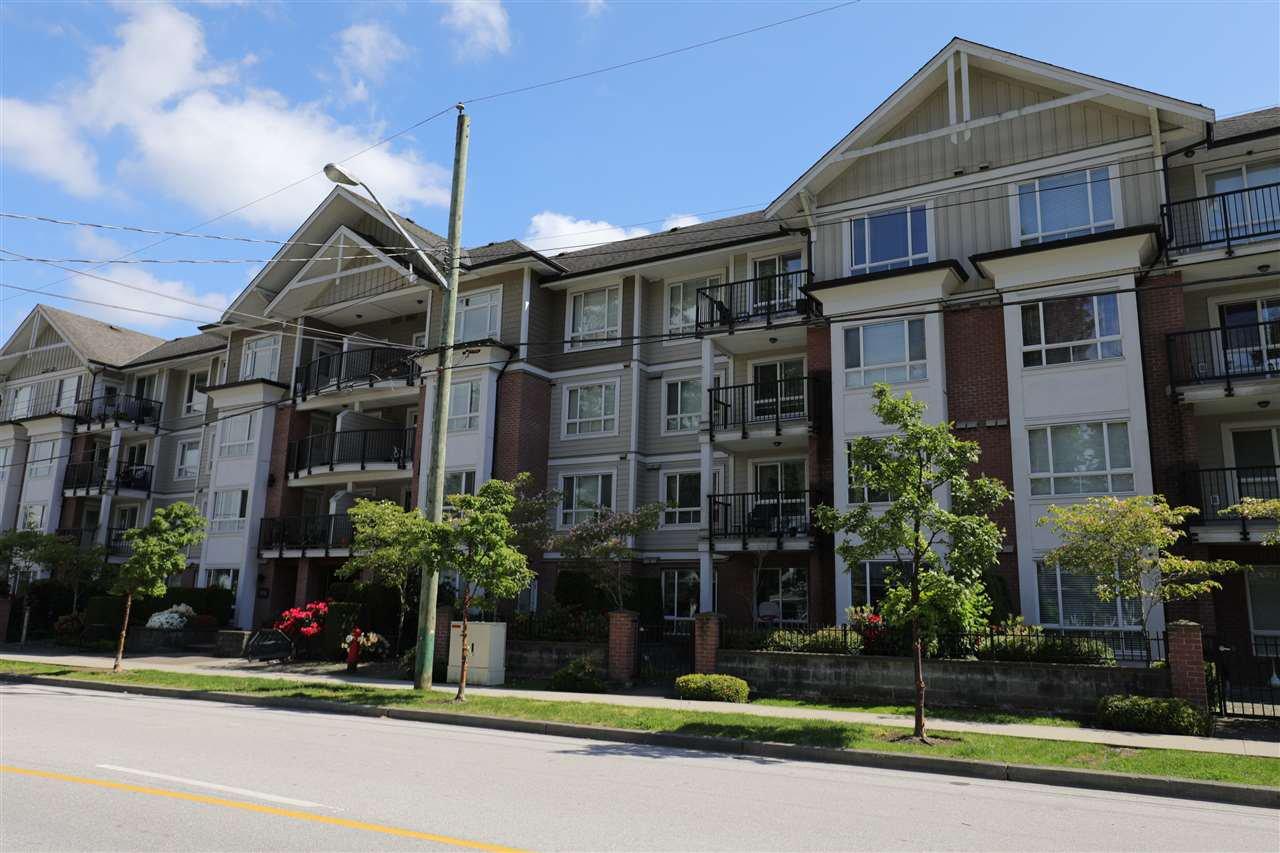 Main Photo: 206 14960 102A AVENUE in Surrey: Guildford Condo for sale (North Surrey)  : MLS®# R2457466