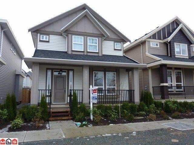 Main Photo: 19478 72ND Avenue in Surrey: Clayton House for sale (Cloverdale)  : MLS®# F1028306