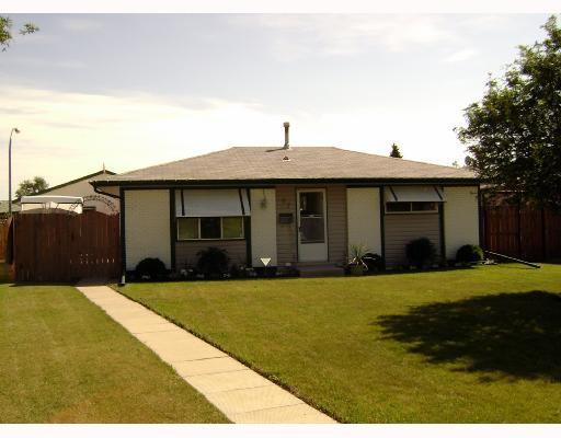 Main Photo: 87 ELLINGTON Street in WINNIPEG: Maples / Tyndall Park Residential for sale (North West Winnipeg)  : MLS®# 2815594