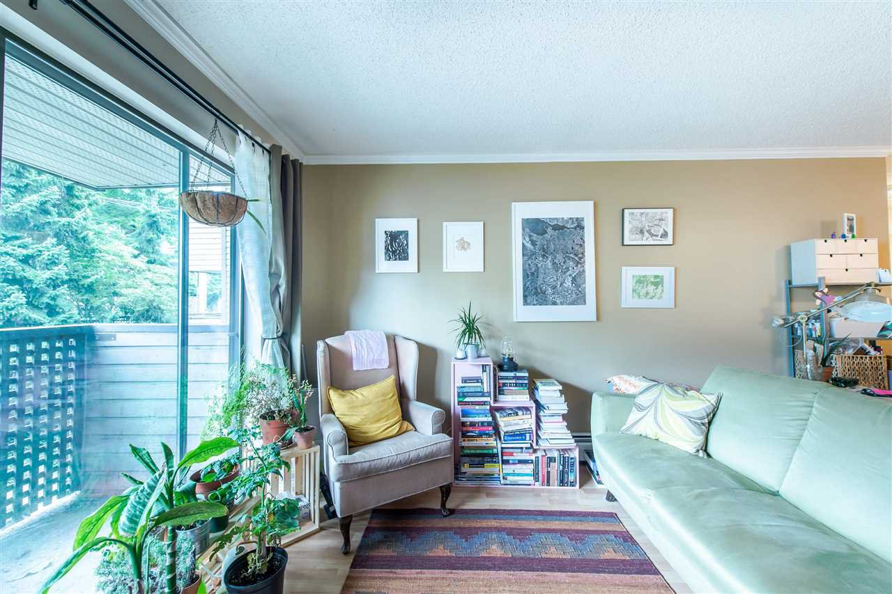 "Main Photo: 202 2215 DUNDAS Street in Vancouver: Hastings Condo for sale in ""HARBOUR REACH"" (Vancouver East)  : MLS®# R2396258"