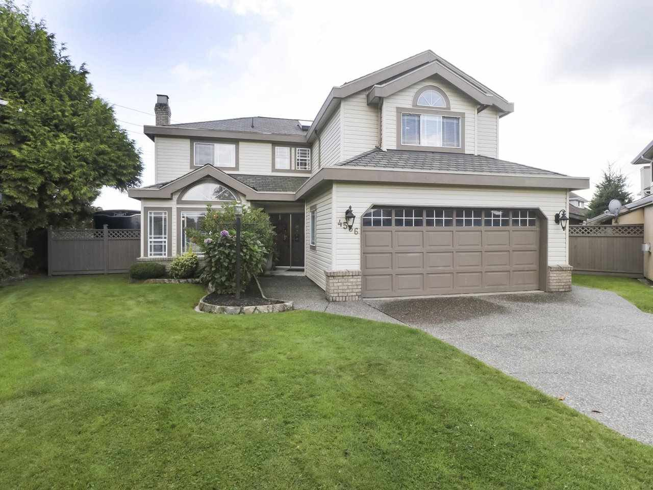 Main Photo: 4586 KENSINGTON Court in Delta: Holly House for sale (Ladner)  : MLS®# R2412506