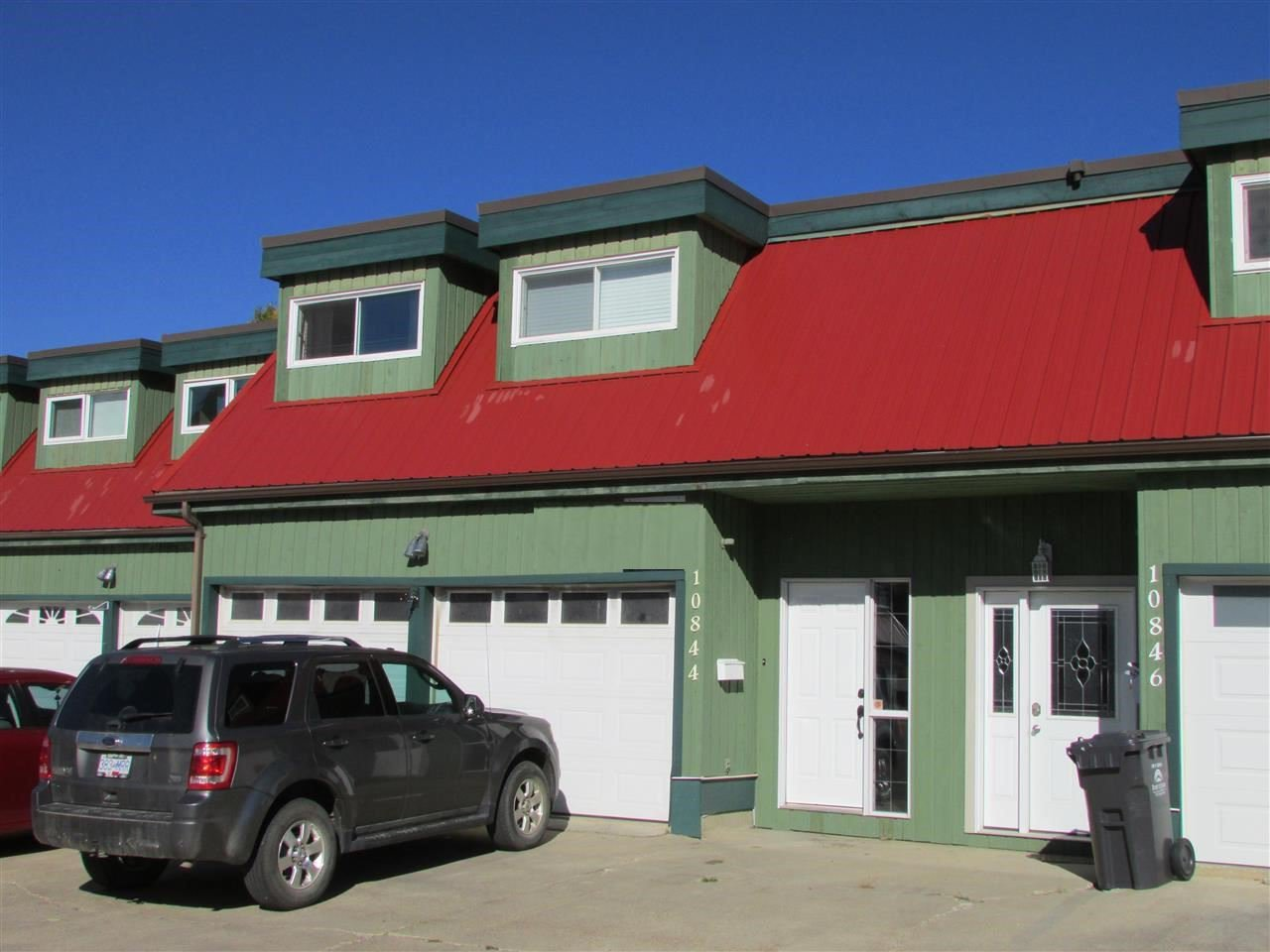 "Main Photo: 10844 102 Street in Fort St. John: Fort St. John - City NW Townhouse for sale in ""CEDAR VILLAGE"" (Fort St. John (Zone 60))  : MLS®# R2434020"