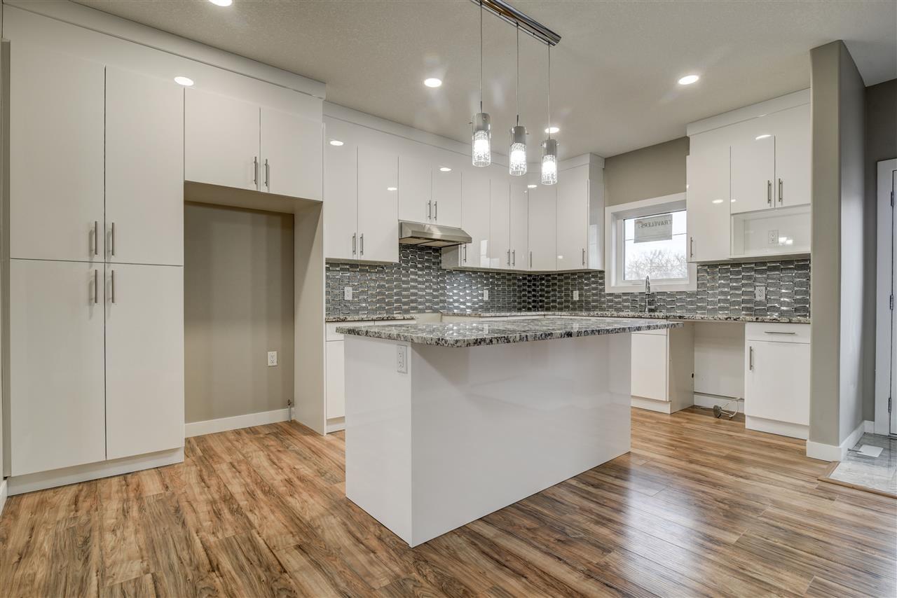 Main Photo: 10359 149 Street in Edmonton: Zone 21 House Half Duplex for sale : MLS®# E4189241