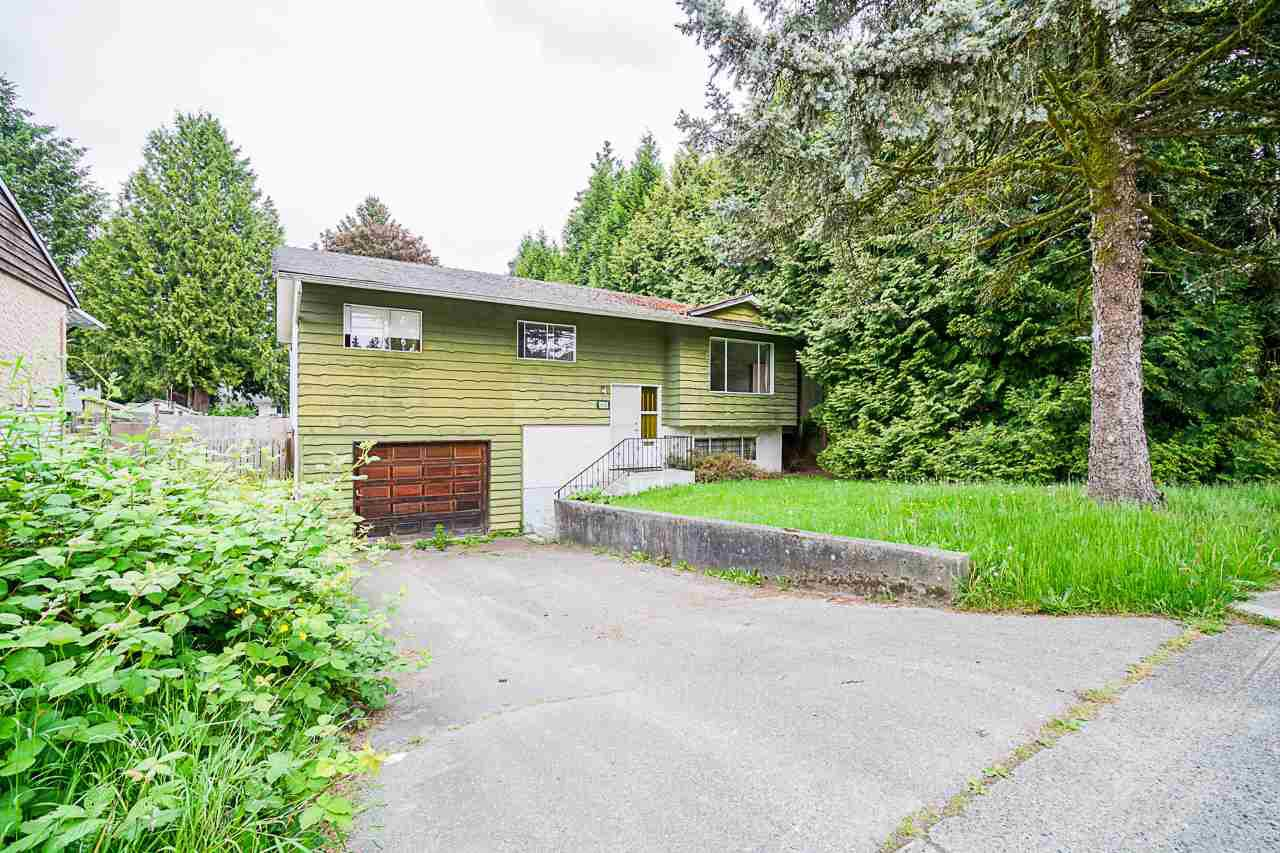 Main Photo: 9110 128 Street in Surrey: Queen Mary Park Surrey House for sale : MLS®# R2458041