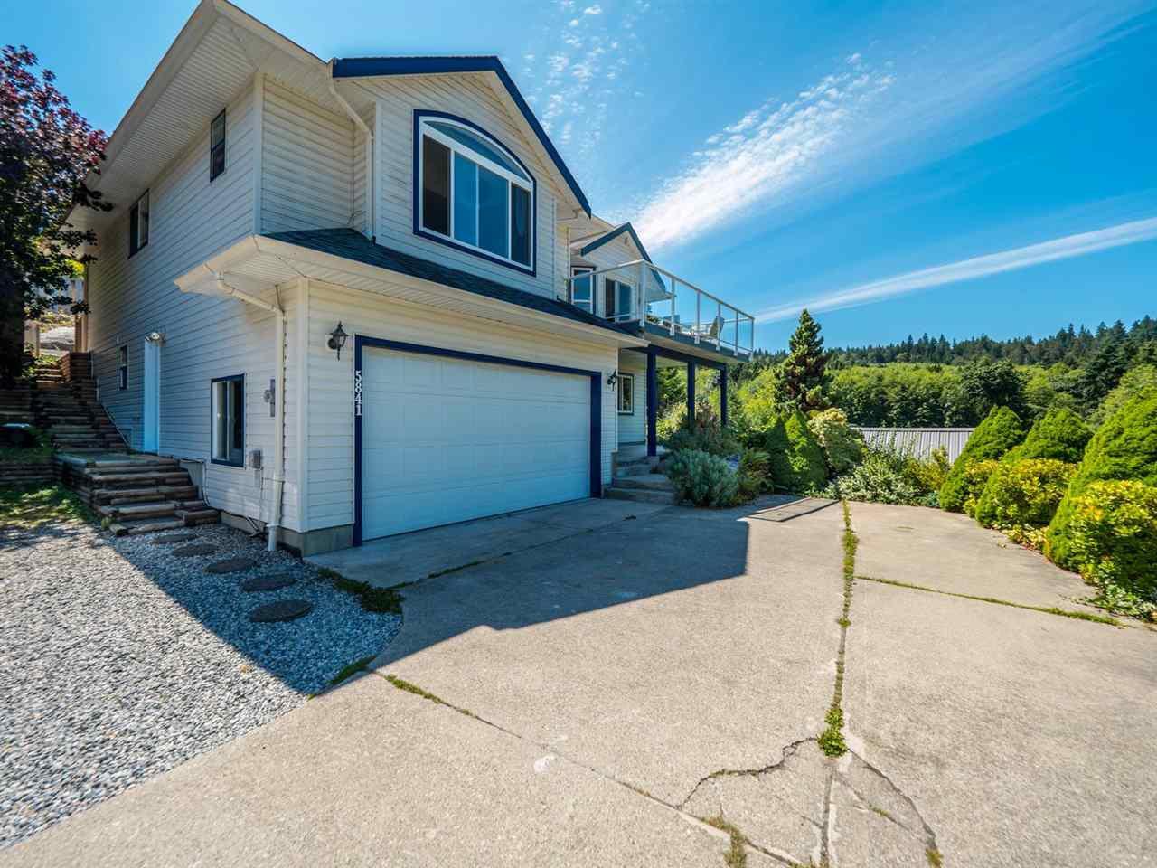Main Photo: 5841 MARINE Way in Sechelt: Sechelt District House for sale (Sunshine Coast)  : MLS®# R2474409