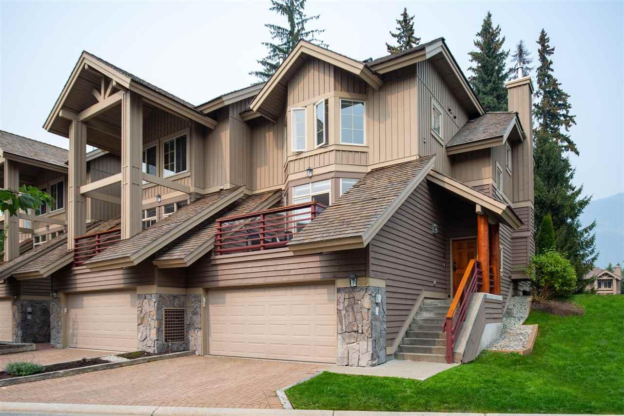 "Main Photo: 39 8030 NICKLAUS NORTH Boulevard in Whistler: Green Lake Estates Townhouse for sale in ""GREEN LAKE ESTATES"" : MLS®# R2500530"