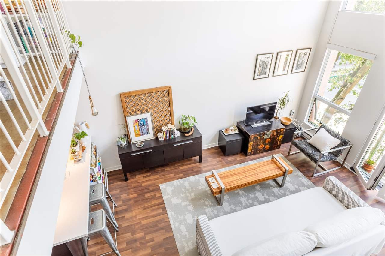 """Photo 11: Photos: 302 1 E CORDOVA Street in Vancouver: Downtown VE Condo for sale in """"CARRALL ST STATION"""" (Vancouver East)  : MLS®# R2502376"""