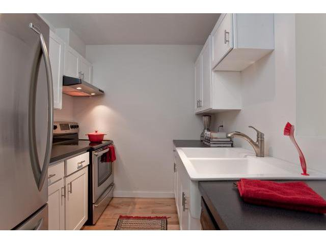 Photo 3: Photos: 307 1450 E 7TH Avenue in Vancouver: Grandview VE Condo for sale (Vancouver East)  : MLS®# V830810