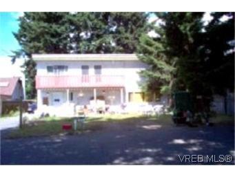 Main Photo:  in VICTORIA: La Glen Lake Full Duplex for sale (Langford)  : MLS®# 404701