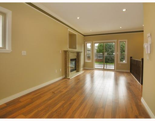 Photo 3: Photos: 5825 WOODSWORTH Street in Burnaby: Central BN House 1/2 Duplex for sale (Burnaby North)  : MLS®# V748580
