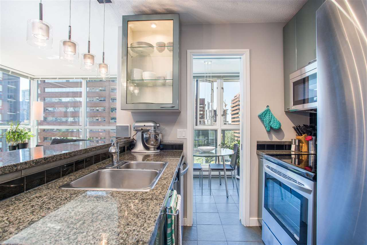 "Photo 4: Photos: 1008 1068 HORNBY Street in Vancouver: Downtown VW Condo for sale in ""The Canadian"" (Vancouver West)  : MLS®# R2389948"