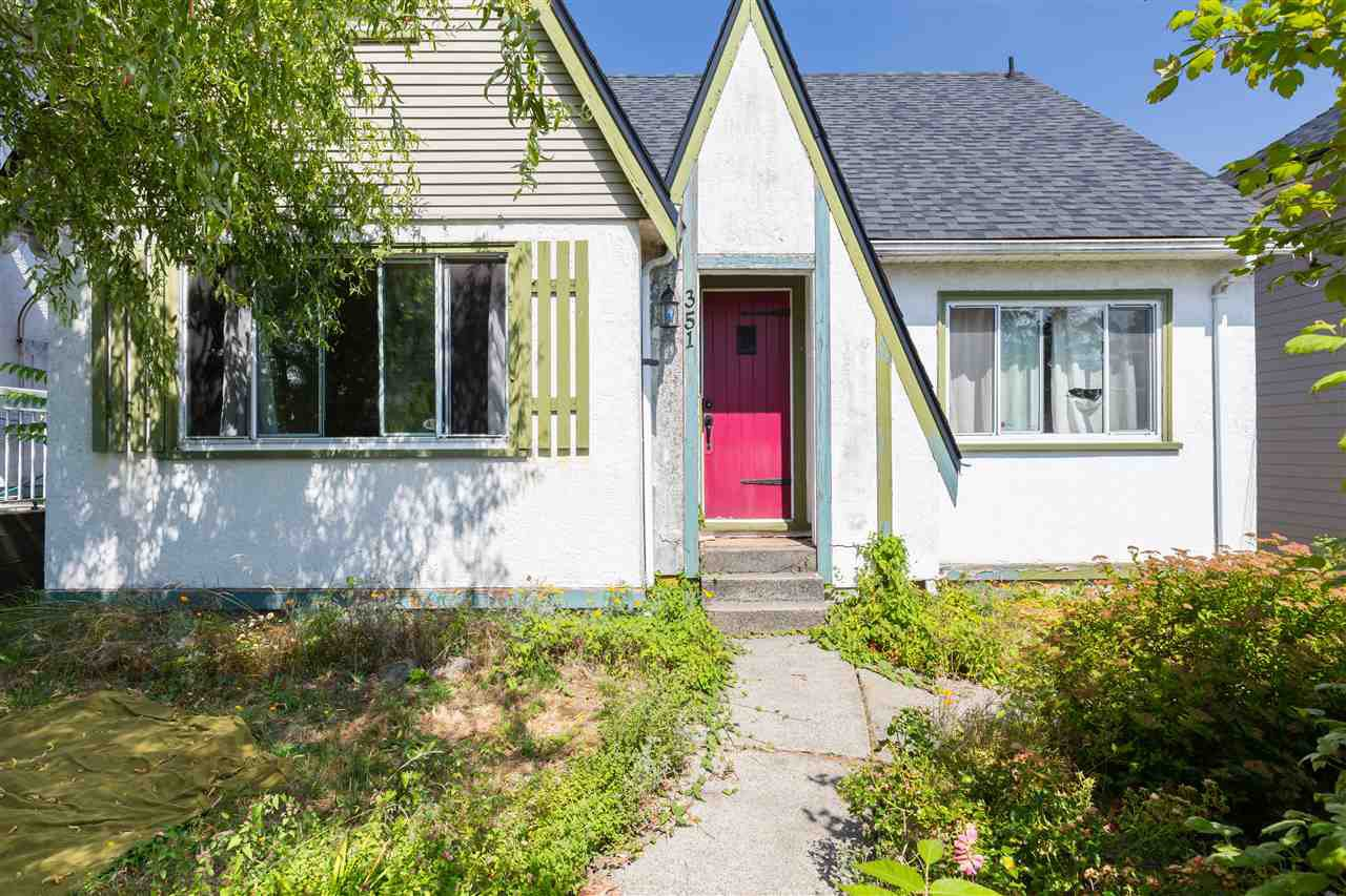 """Main Photo: 351 ALBERTA Street in New Westminster: Sapperton House for sale in """"Sapperton"""" : MLS®# R2400405"""