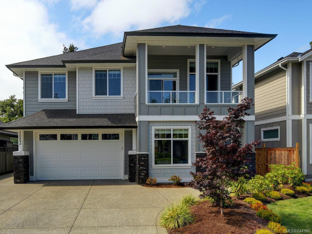 Main Photo: 1053 Sandalwood Crt in Langford: La Luxton House for sale : MLS®# 844385
