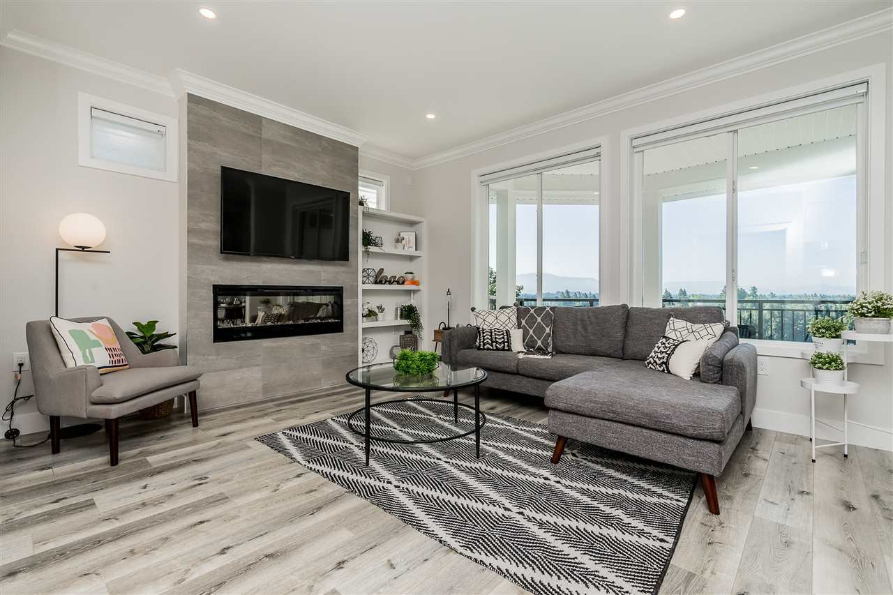 """Main Photo: 14 31548 UPPER MACLURE Road in Abbotsford: Abbotsford West Townhouse for sale in """"Maclure Point"""" : MLS®# R2489665"""