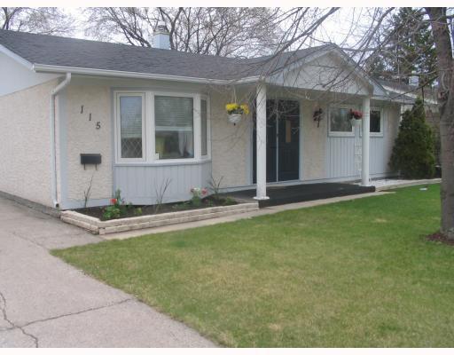 Main Photo: 115 PEMBRIDGE Bay in WINNIPEG: St Vital Residential for sale (South East Winnipeg)  : MLS®# 2918052