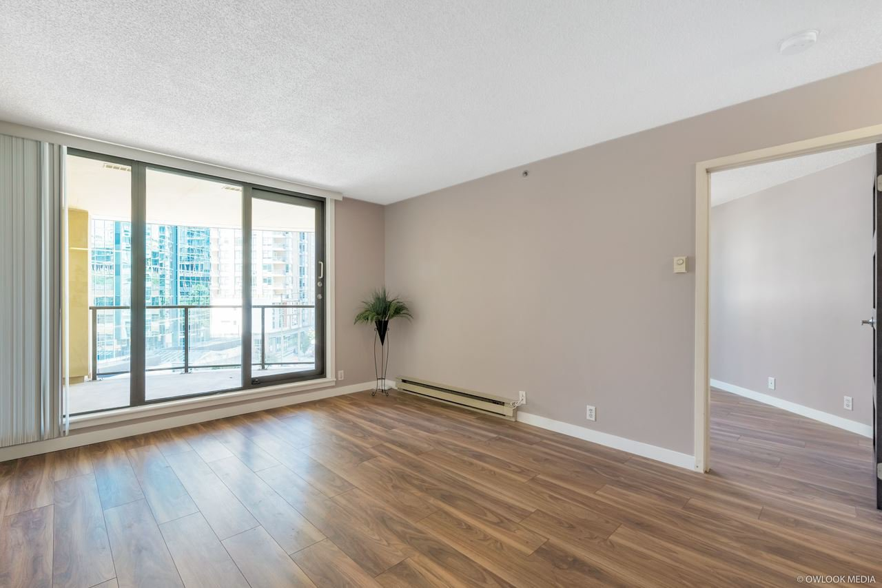 Main Photo: 504 789 DRAKE STREET in : Downtown VW Condo for sale : MLS®# R2392438
