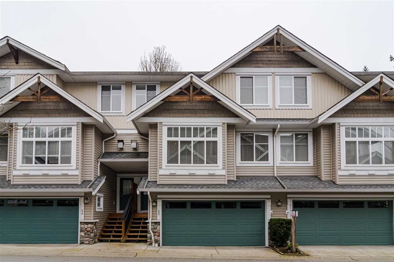 "Main Photo: 25 21704 96 Avenue in Langley: Walnut Grove Townhouse for sale in ""REDWOOD BRIDGE ESTATES"" : MLS®# R2438342"
