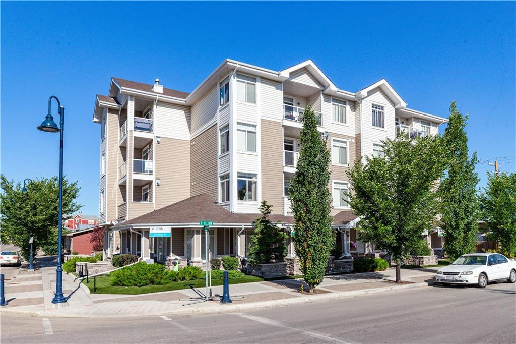 Main Photo: 202 132 1 Avenue NW: Airdrie Apartment for sale : MLS®# C4305789
