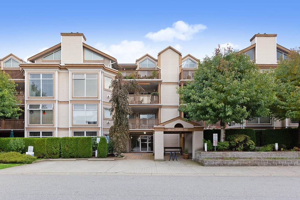 """Main Photo: 307 19131 FORD Road in Pitt Meadows: Central Meadows Condo for sale in """"WOODFORD"""" : MLS®# R2527628"""