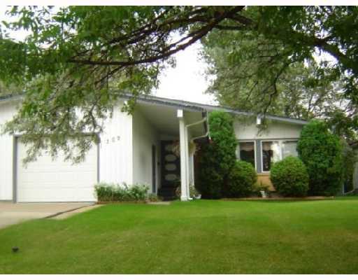 Main Photo: 209 WHARTON Boulevard in WINNIPEG: Westwood / Crestview Residential for sale (West Winnipeg)  : MLS®# 2816273