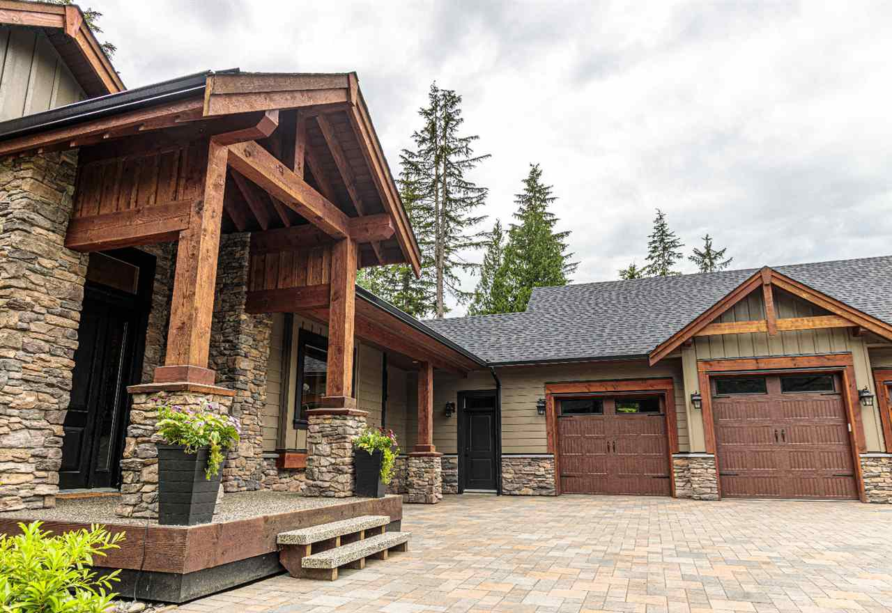 """Photo 3: Photos: 33320 TREE TOP Terrace in Mission: Mission BC House for sale in """"Ferndale"""" : MLS®# R2484559"""