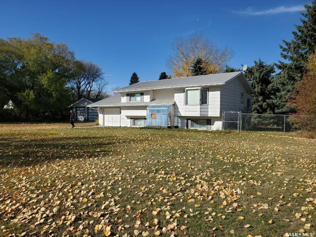 Main Photo: 215 3rd Avenue in Harris: Residential for sale : MLS®# SK830221