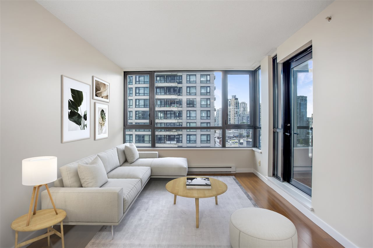 "Main Photo: 1306 909 MAINLAND Street in Vancouver: Yaletown Condo for sale in ""YALETOWN PARK 2"" (Vancouver West)  : MLS®# R2516846"