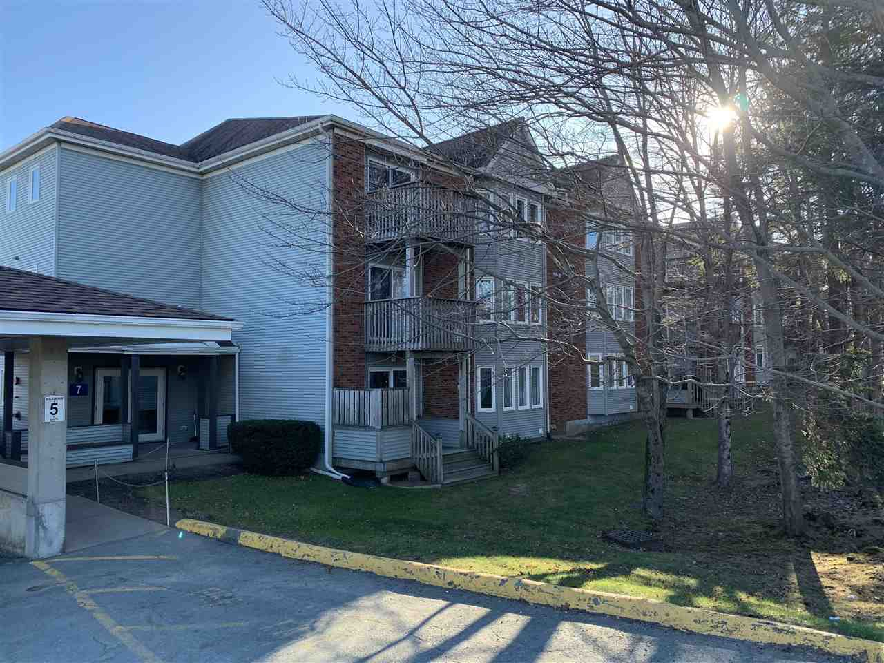 Main Photo: 206 7 Forest Hills Parkway in Cole Harbour: 15-Forest Hills Residential for sale (Halifax-Dartmouth)  : MLS®# 202024077