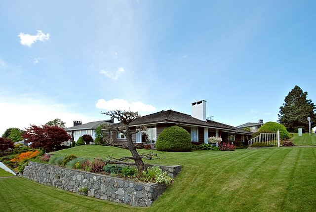 """Main Photo: 804 YORK Street in New Westminster: The Heights NW House for sale in """"MASSEY HEIGHTS"""" : MLS®# V836865"""