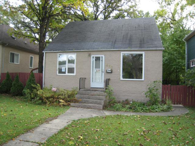 Main Photo: 690 BERESFORD Avenue in WINNIPEG: Fort Rouge / Crescentwood / Riverview Residential for sale (South Winnipeg)  : MLS®# 1018883