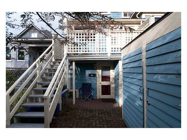 Photo 5: Photos: 2649 FRASER Street in Vancouver: Mount Pleasant VE House for sale (Vancouver East)  : MLS®# V863969