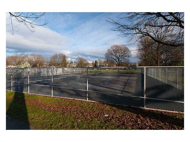 Photo 13: Photos: 2649 FRASER Street in Vancouver: Mount Pleasant VE House for sale (Vancouver East)  : MLS®# V863969