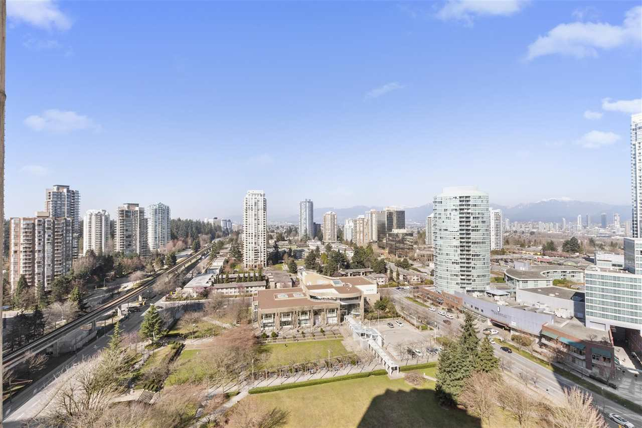 "Main Photo: 1803 6240 MCKAY Avenue in Burnaby: Metrotown Condo for sale in ""GRAND CORNICHE I"" (Burnaby South)  : MLS®# R2447493"