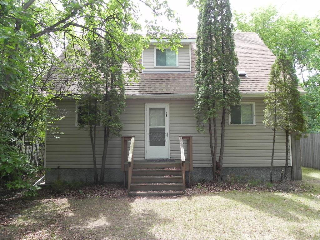 Main Photo: 34 Deepdale Avenue in Grand Marais: R27 Residential for sale : MLS®# 202010297