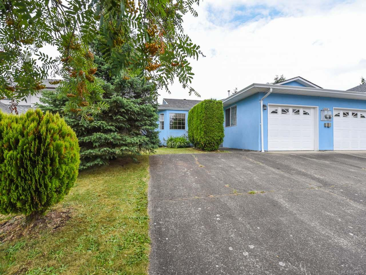Main Photo: A 4689 Ashwood Pl in COURTENAY: CV Courtenay East Half Duplex for sale (Comox Valley)  : MLS®# 844175